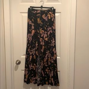 Free People floral crepe maxi skirt w/buttons